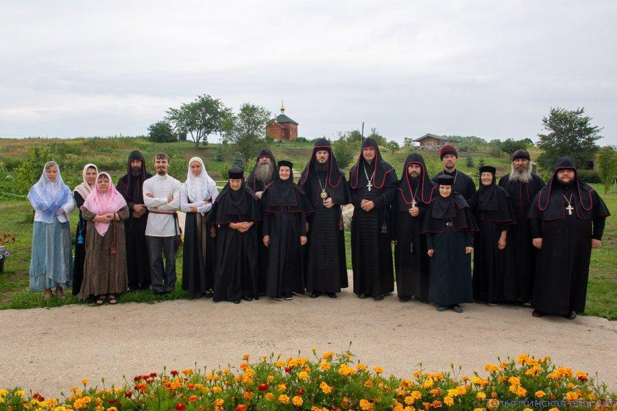 Епископ Тольяттинский РПЦ Нестор совершил Божественную Литургию древнерусским чином